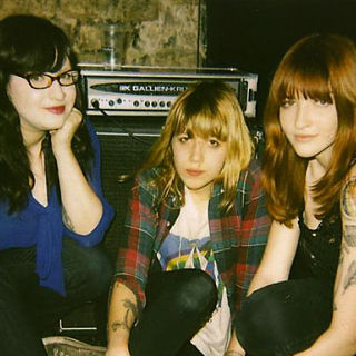 Vivian Girls Download