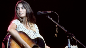 Emmylou Harris at Cotton Bowl on Jul 2, 1978