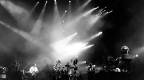 Pink Floyd at Nassau Coliseum on Aug 20, 1988