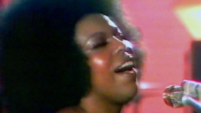 Roberta Flack at Newport Jazz Festival New York on Jul 8, 1972