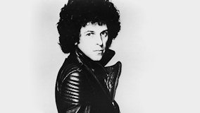 Leo Sayer at New York City on Apr 17, 1977