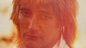 Rod Stewart at Newcastle City Hall on Dec 18, 1976