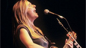 Melissa Etheridge at Shoreline Amphitheatre on Nov 18, 1993