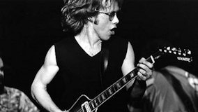 Warren Zevon at Shoreline Amphitheatre on Nov 18, 1993