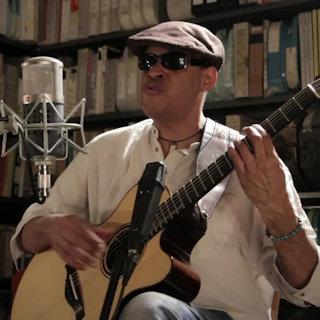 Raul Midon at Paste Studios on Feb 4, 2016