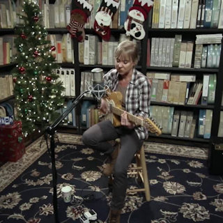 Kristin Hersh at Paste Studios on Dec 16, 2016