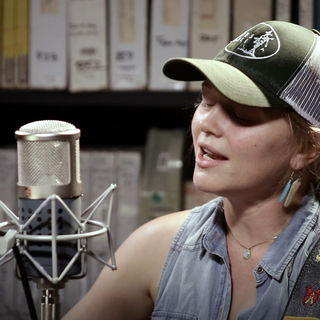 Crystal Bowersox at Paste Studios on Jun 13, 2017