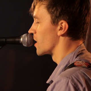 Sondre Lerche at Lakeview Farms Barn on Apr 28, 2011