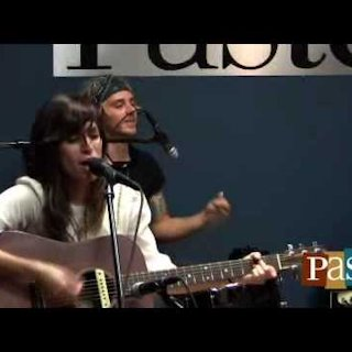 Nicole Atkins at Paste Magazine Offices on Jan 5, 2010