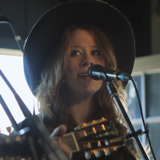 The Lone Bellow at Brooklyn Bowl on Nov 17, 2015