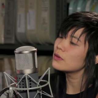 Thao & The Get Down Stay Down at Paste Studios on Apr 14, 2016