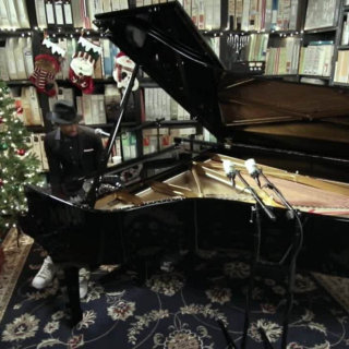 Jon Batiste at Paste Studios on Dec 14, 2016