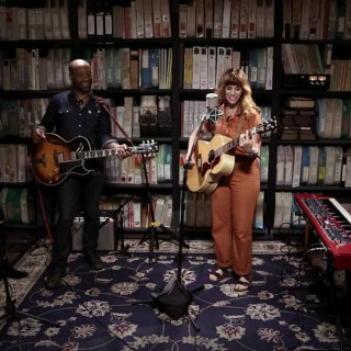 Nicole Atkins at Paste Studios on Jun 20, 2017