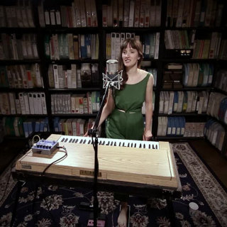 Annie Hart at Paste Studios on Jul 14, 2017