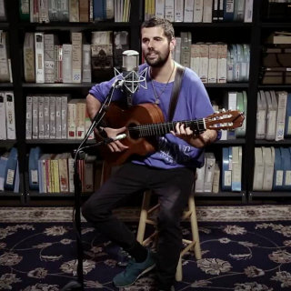 Nick Mulvey at Paste Studios on Aug 14, 2017