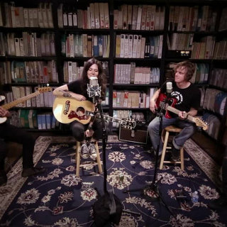 Lilly Hiatt at Paste Studios on Aug 31, 2017