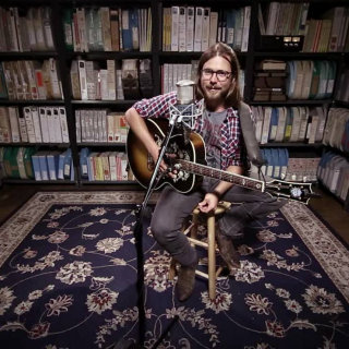 Lukas Nelson at Paste Studios on Sep 6, 2017