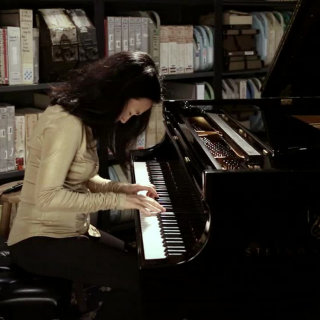 Helen Sung at Paste Studios on Sep 20, 2017