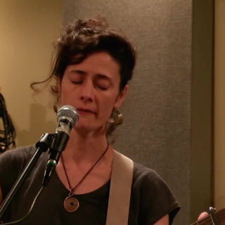 Diane Cluck at Horseshack on Sep 23, 2017