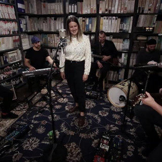 Gabrielle Shonk at Paste Studios on Oct 10, 2017