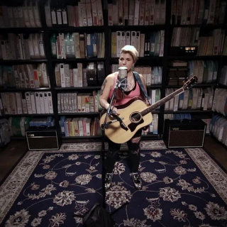 Daphne Willis at Paste Studios on Oct 12, 2017