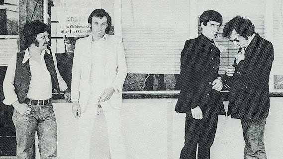 Dr. Feelgood concert at Victoria Hall on Apr 10, 1977