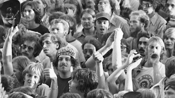 Grateful Dead concert at Raceway Park on Sep 3, 1977