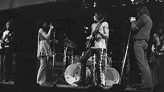 Jefferson Airplane concert at Winterland on Apr 15, 1970