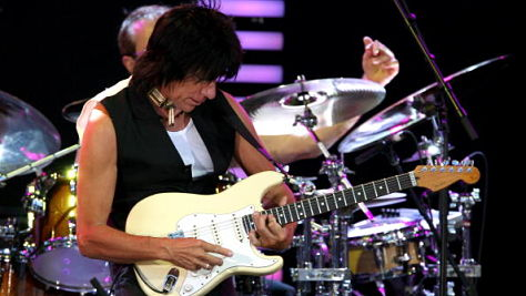 Jeff Beck Rocks the Masonic Temple Theatre