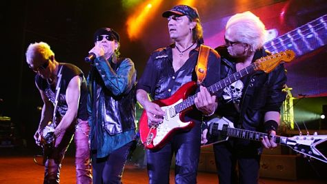 Scorpions Rock Like a Hurricane