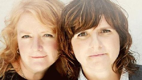 Video: Uncut: The Indigo Girls