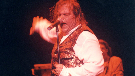 Meat Loaf Opens With 'Bat Out Of Hell'