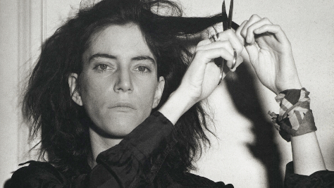 Patti Smith Takes On 'Jolene'