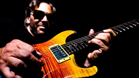 Jazz: Al Di Meola's Fretboard Flash