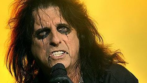 Rock: Alice Cooper at the L.A. Forum, '75