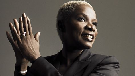 Video: Angelique Kidjo at Newport, '06