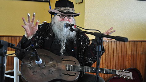 Folk & Bluegrass: Baby Gramps' Old-Timey 'Hobo Music'