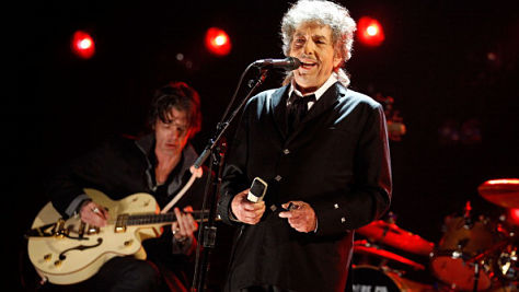 Rock: Bob Dylan's Surprise Set