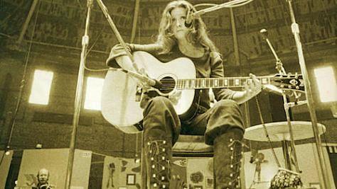 Blues: New Release: Bonnie Raitt at Wesleyan, '72