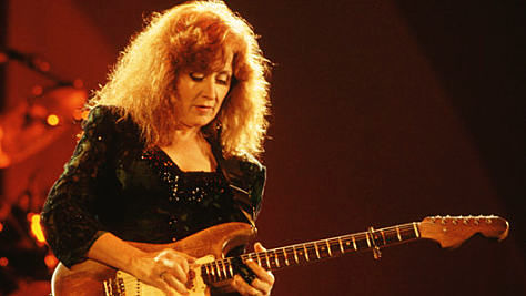 Rock: Video: Bonnie Raitt's Wicked Slide