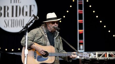Video: Uncut: Neil Young Solo Unplugged