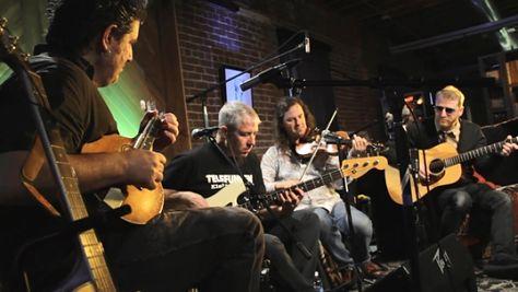 Indie: Video: Camper Van Beethoven Unplugged