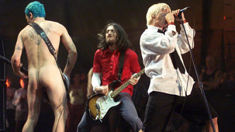 Rock: Video: The Chili Peppers at Woodstock, '99