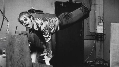 Elton John Opens For The Kinks