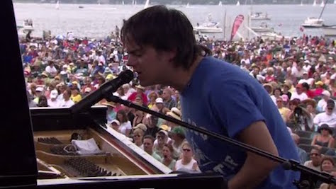 Jazz: Video: Jamie Cullum at Newport, '04