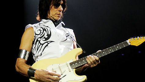 Jeff Beck's Six-Sting Pyrotechnics