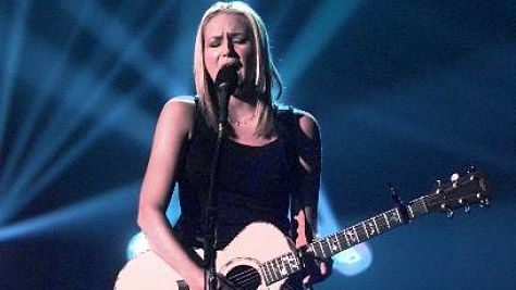 Folk & Bluegrass: Video: Jewel at Woodstock '99