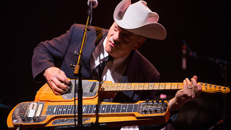 Junior Brown's Stinging Guit-Steel