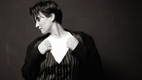 Country: k.d. lang Seduces Philly