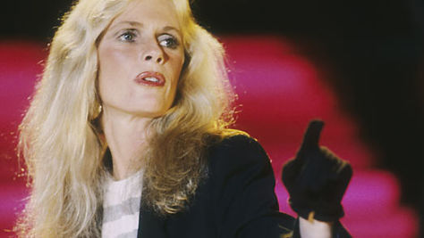 Rock: Kim Carnes Has 'Bette Davis Eyes'